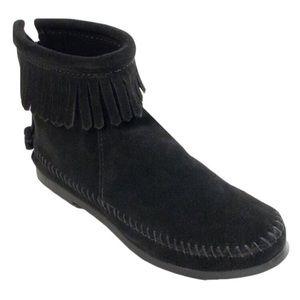 Minnetonka Black Suede Fringe Booties *LIKE NEW*